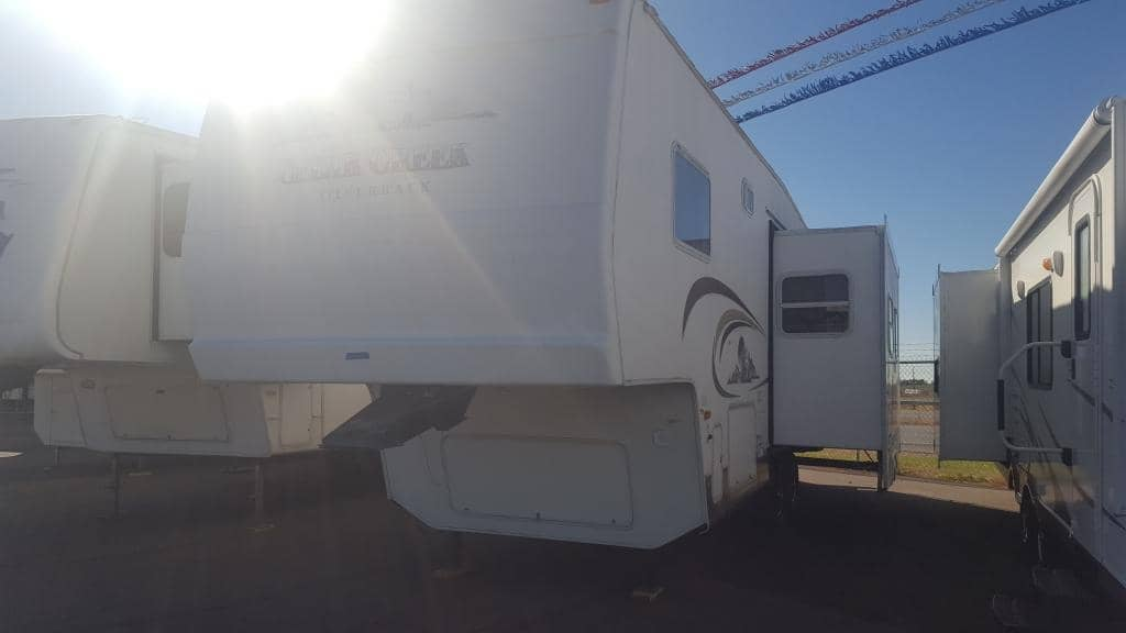 2003 Forest River Cedar Creek Silverback 28LRLFS - American RV