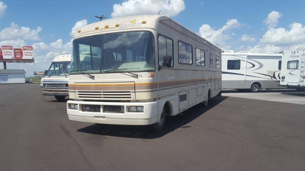 1990 Fleetwood Bounder 34S - American RV