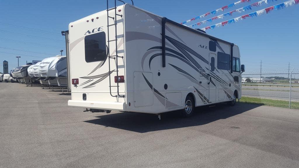 2018 Thor Motor Coach Ace 30.2 - American RV
