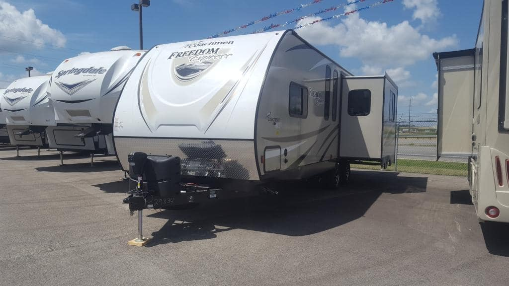 2018 Coachmen Freedom Express 297RLDS - American RV