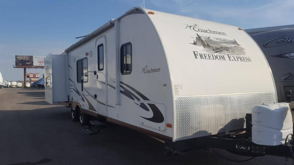 2011 Forest River Freedom Express 300BHS - American RV