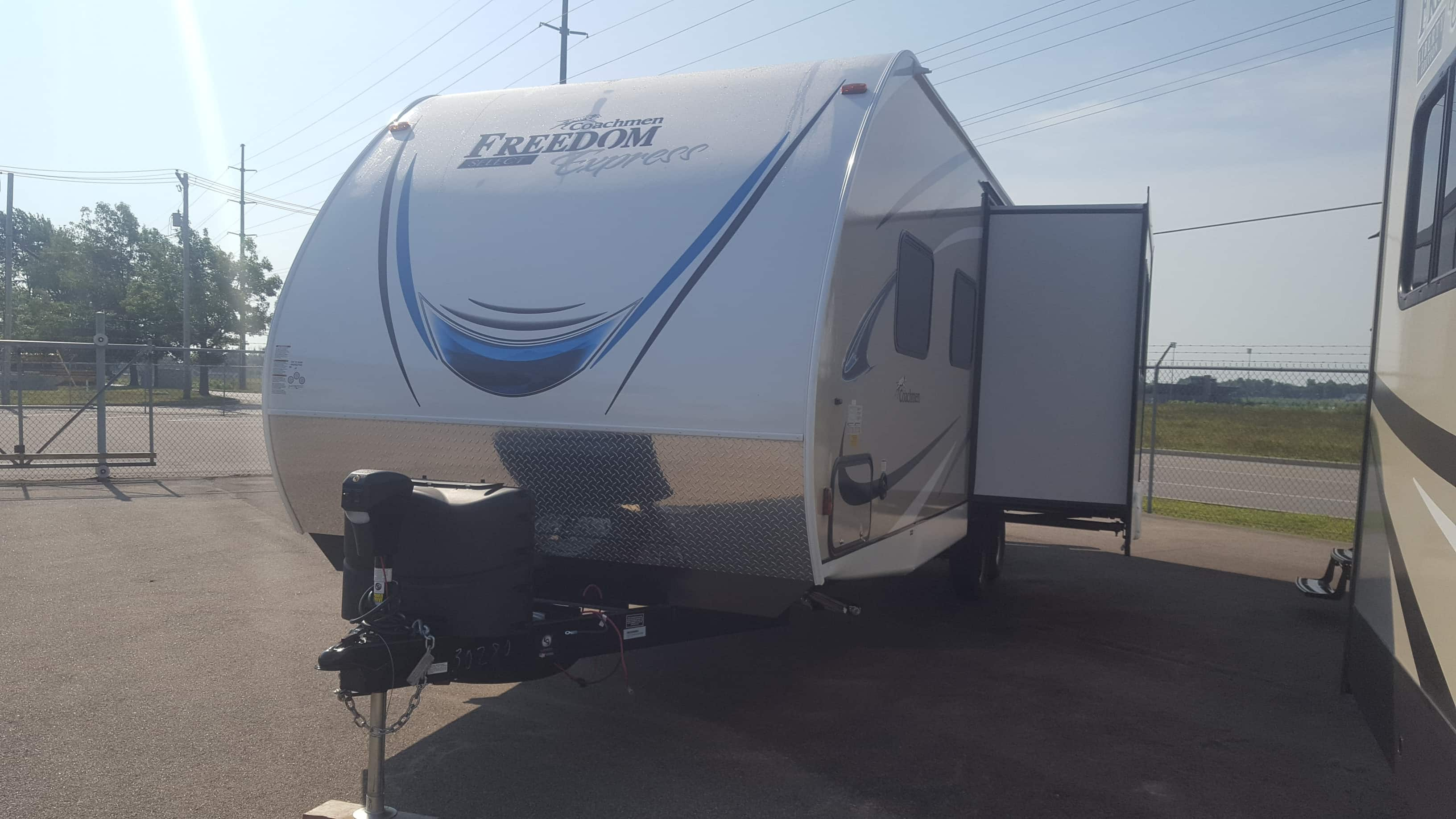 NEW 2018 Coachmen FREEDOM EXPRESS 24SE - American RV