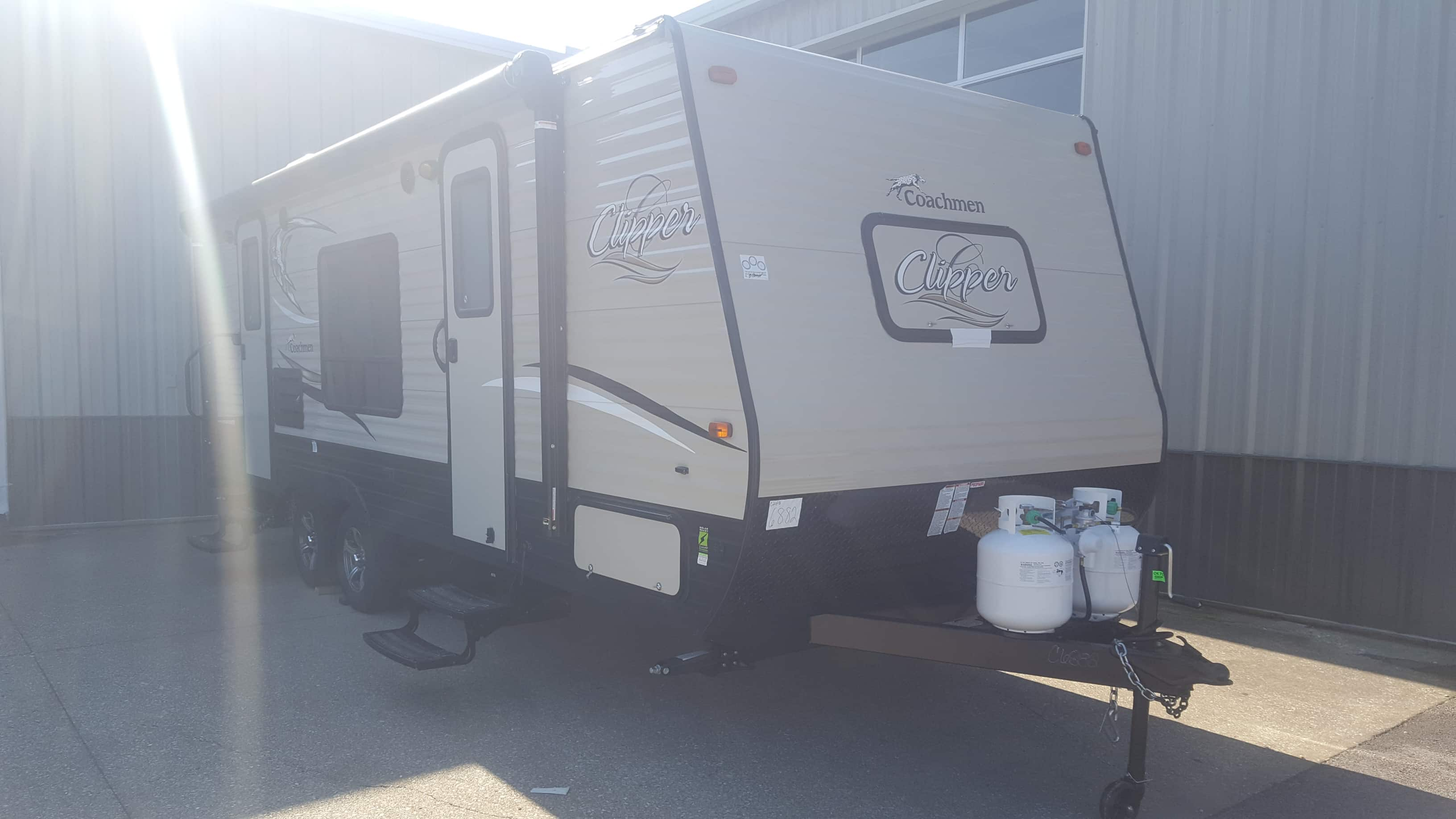 NEW 2018 Coachmen CLIPPER 21FQ - American RV