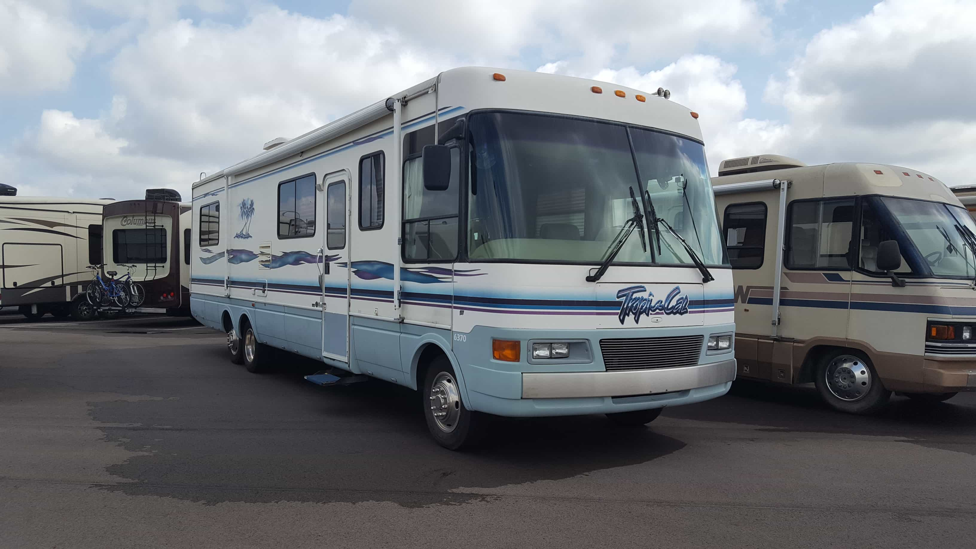 USED 1999 National Rv TROPI-CAL 6370 - American RV