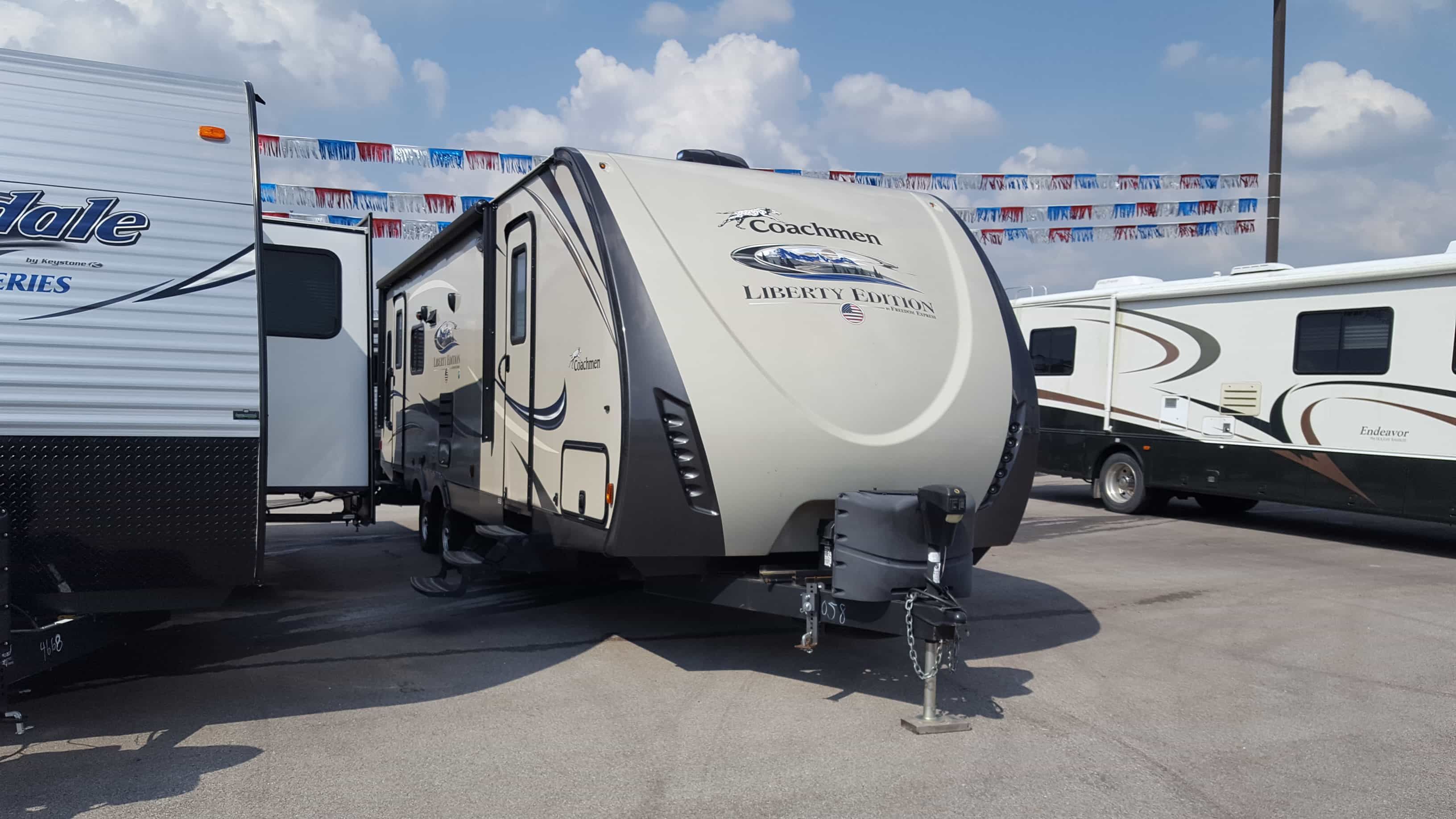 USED 2016 Coachmen FREEDOM EXPRESS 281RLDSLE - American RV