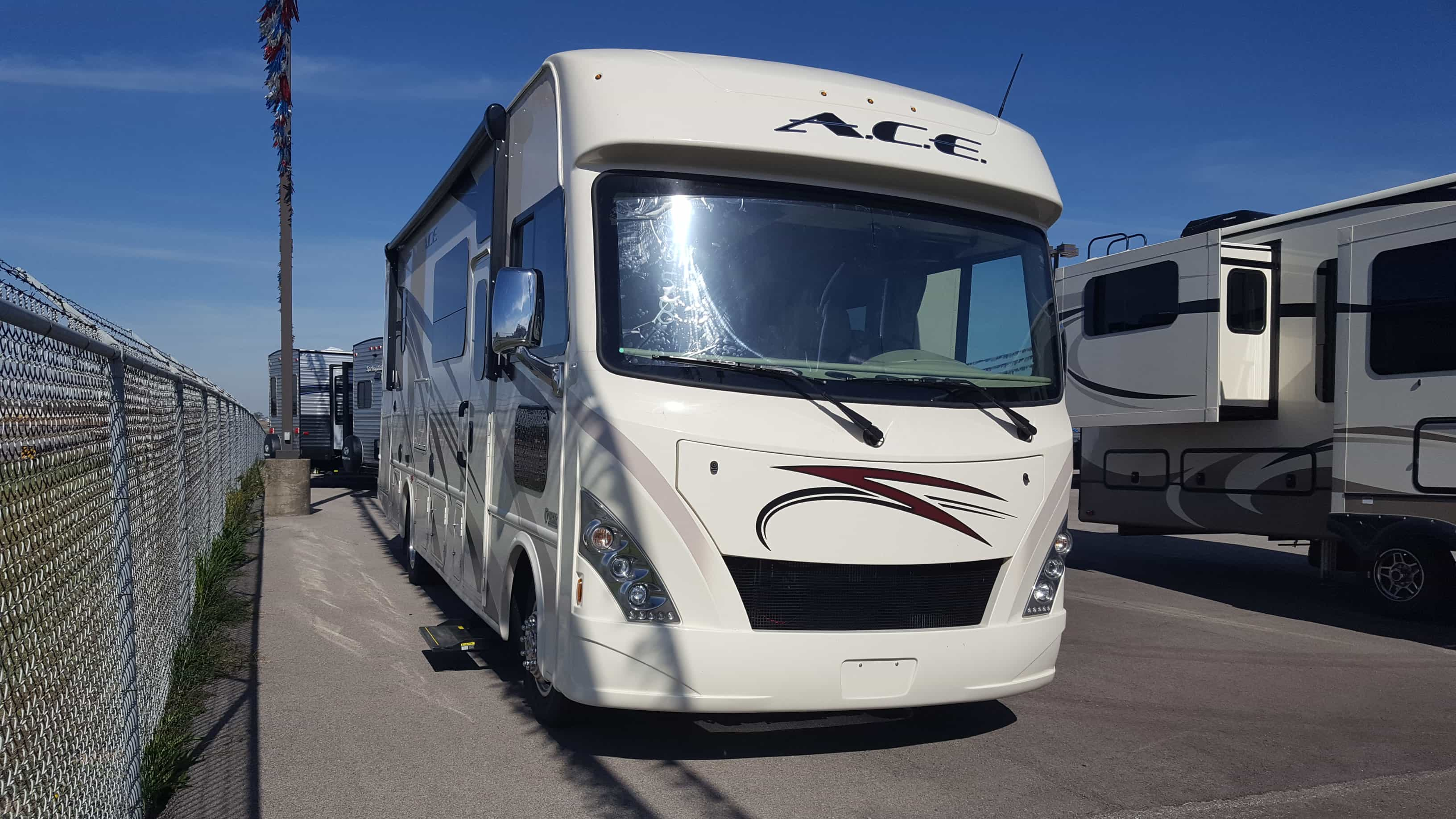 NEW 2018 Thor Motor Coach ACE 29.3 - American RV