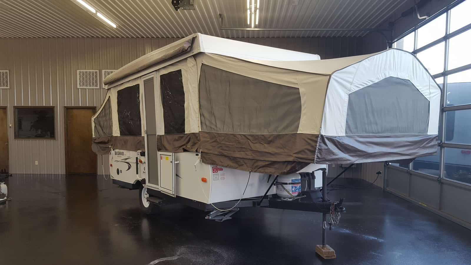 USED 2014 Forest River ROCKWOOD 2270 - American RV