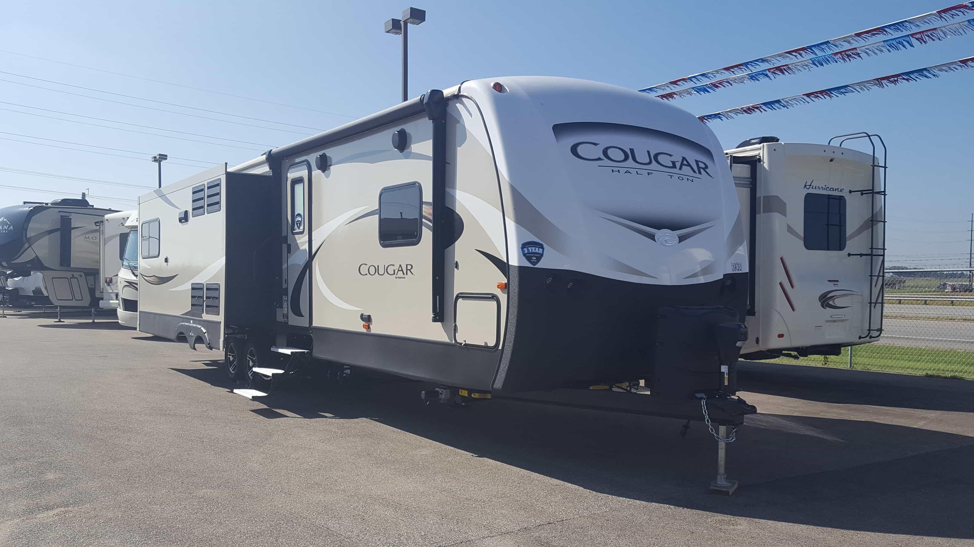 NEW 2018 Keystone COUGAR HALF-TON 33SAB - American RV