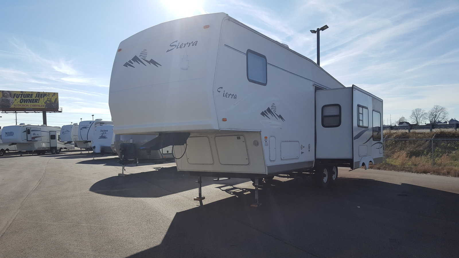 USED 2001 Forest River SIERRA 27RKSS - American RV