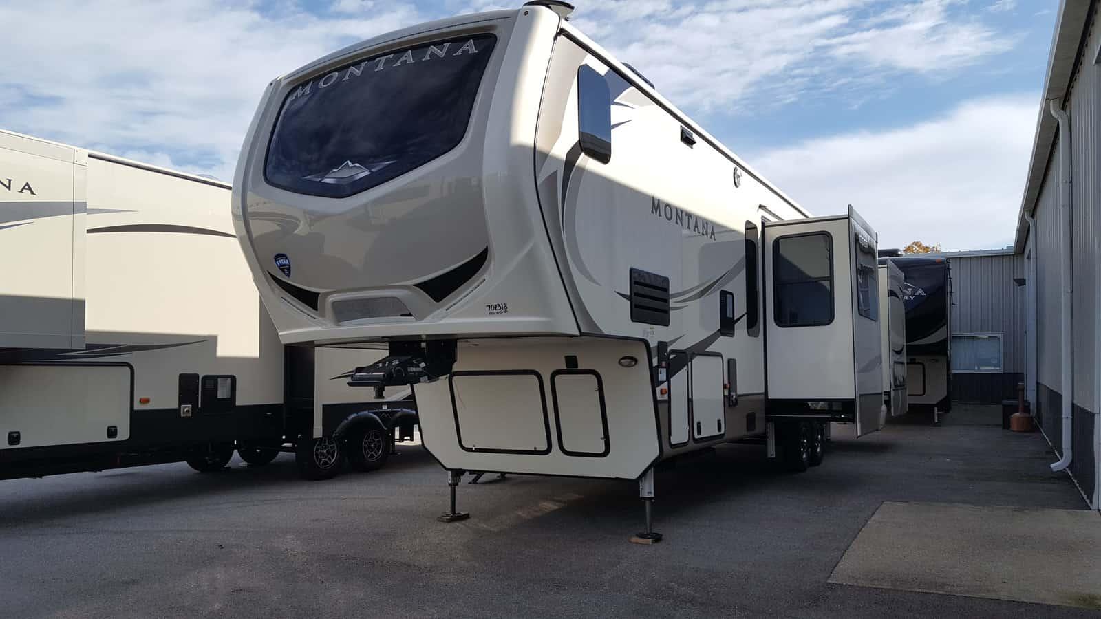 NEW 2018 Keystone MONTANA 3820FK - American RV