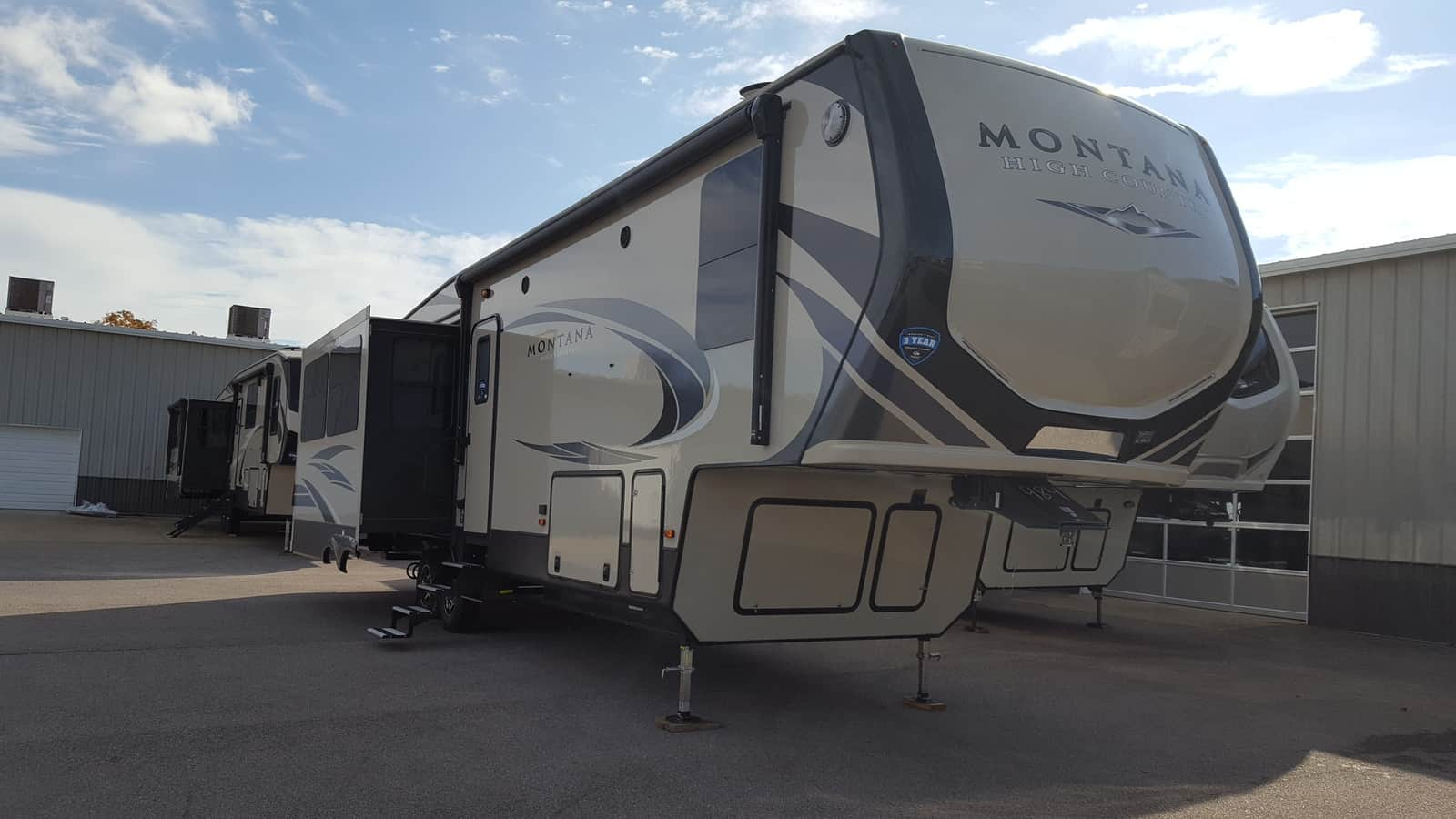 NEW 2018 Keystone MONTANA HIGH COUNTRY 331RL - American RV