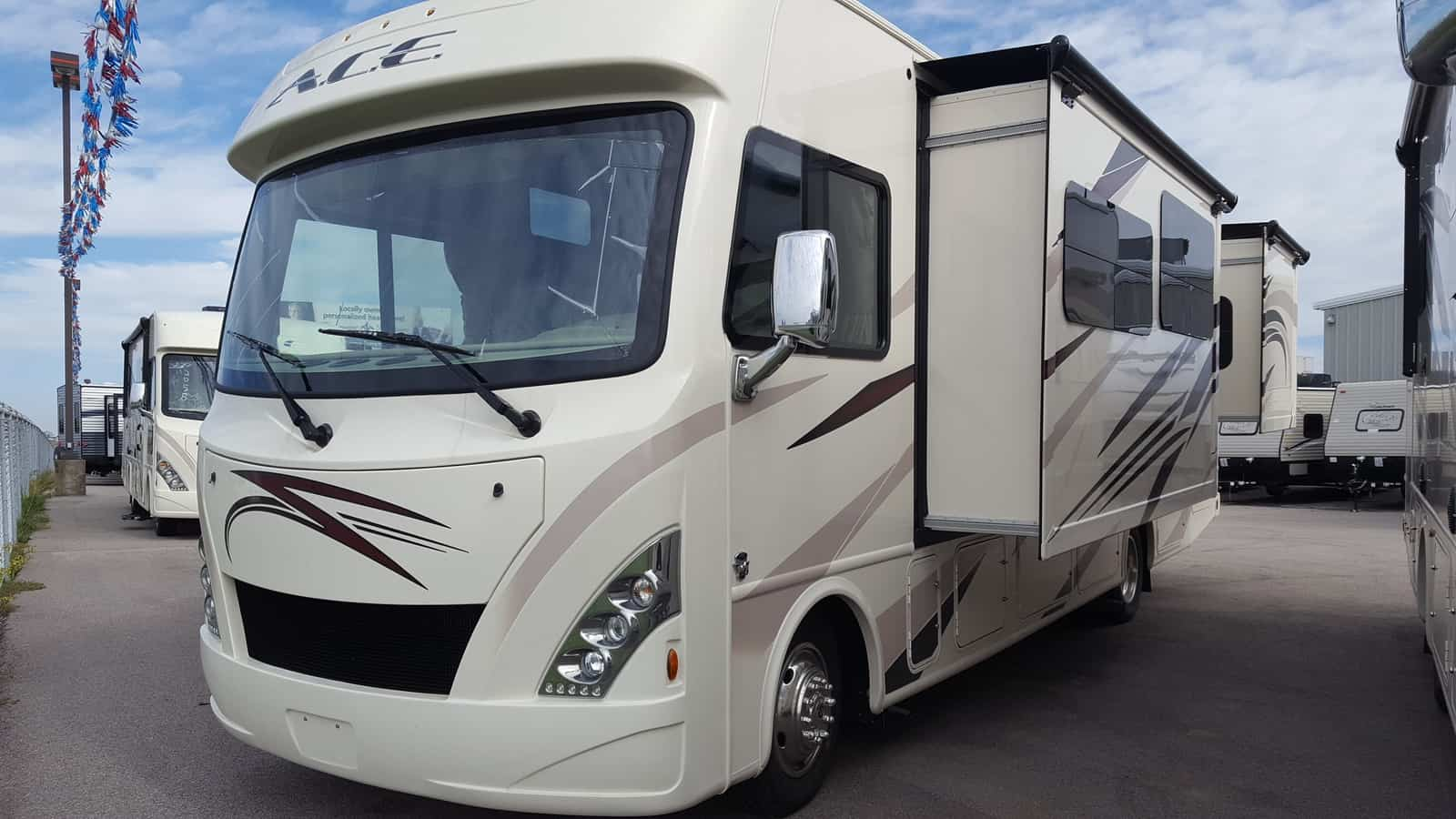 NEW 2018 Thor Motor Coach ACE 30.3 - American RV
