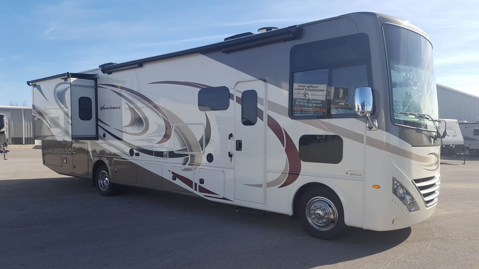 NEW 2018 Thor Motor Coach HURRICANE 35M - American RV