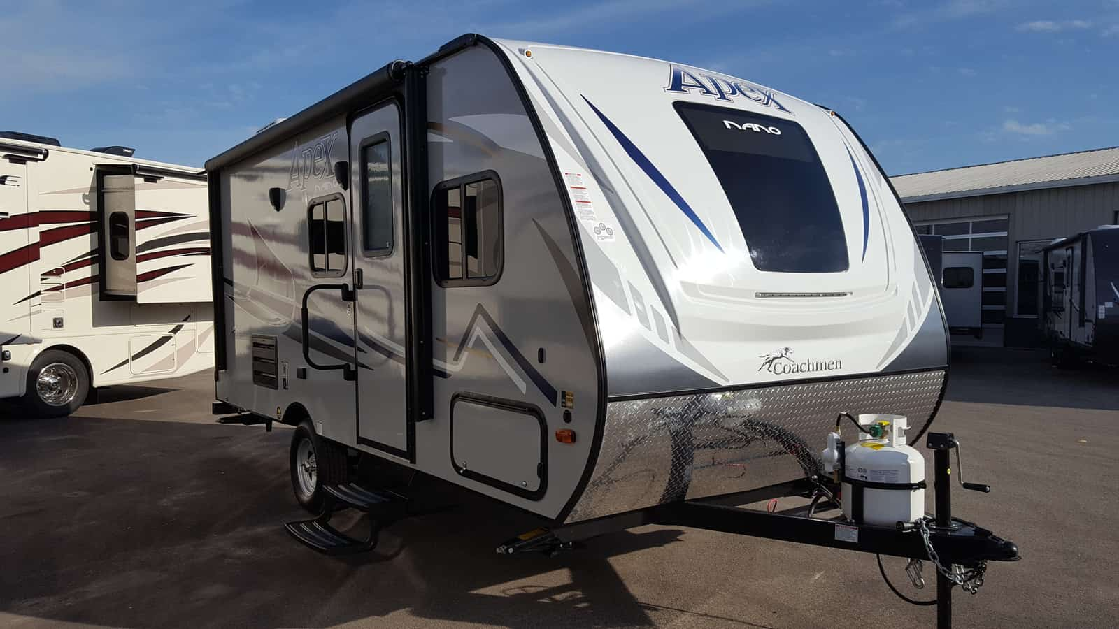 NEW 2018 Coachmen APEX NANO 185BH - American RV