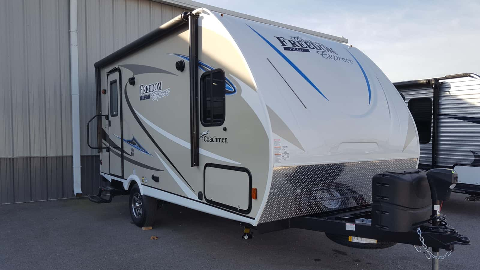 NEW 2018 Coachmen FREEDOM EXPRESS 19RKS - American RV
