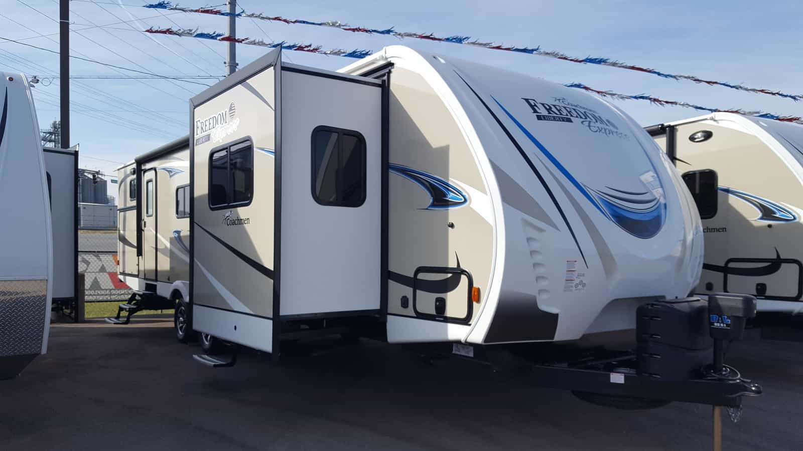 NEW 2018 Coachmen FREEDOM EXPRESS 321FEDSLE - American RV