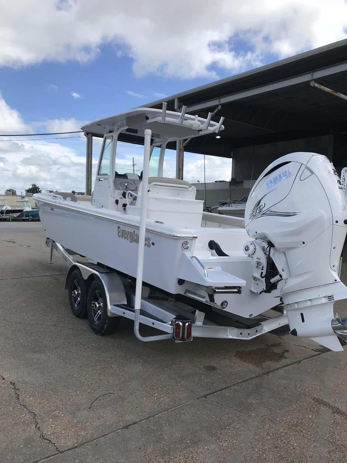 New  2019 27' Everglades Cc Fish Boat
