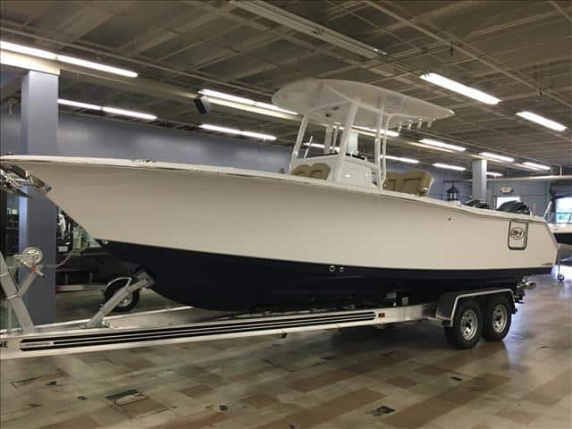 NEW 2016 Sea Hunt Gamefish 27 27 with Coffin Box