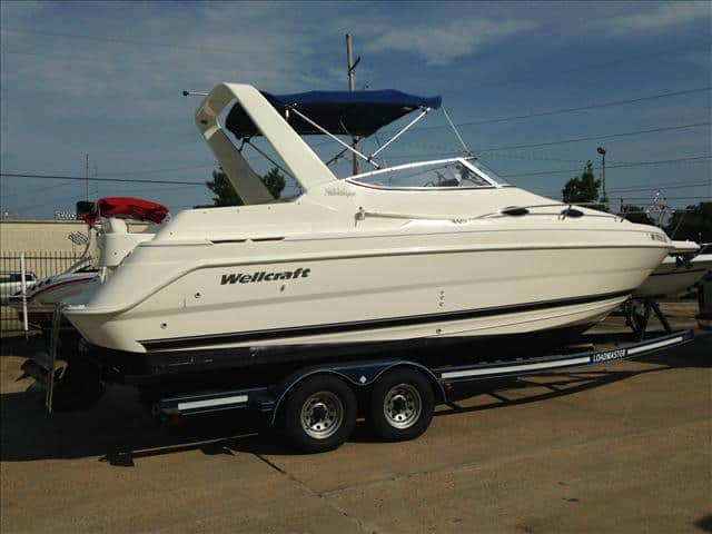 USED 2000 Wellcraft Martinique 2600