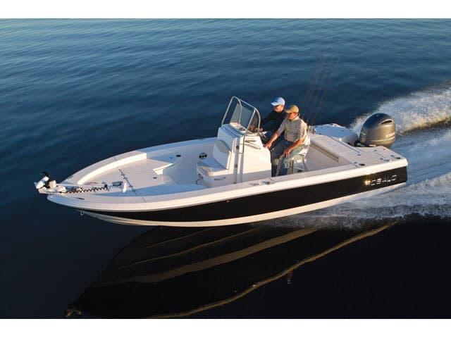 NEW 2016 Robalo Bay Boat 226 Cayman