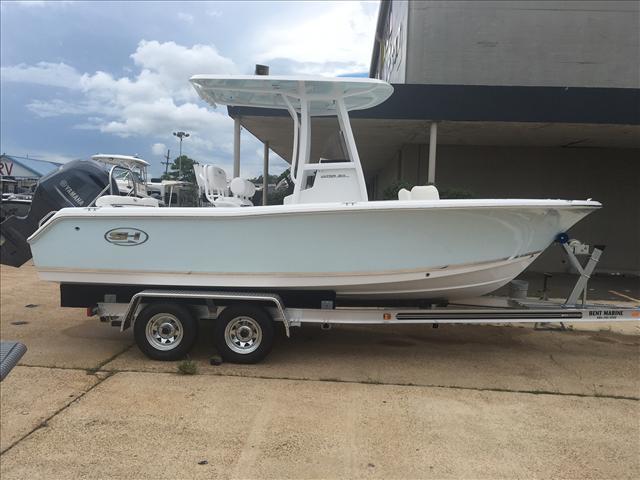 NEW 2017 Sea Hunt Ultra 211