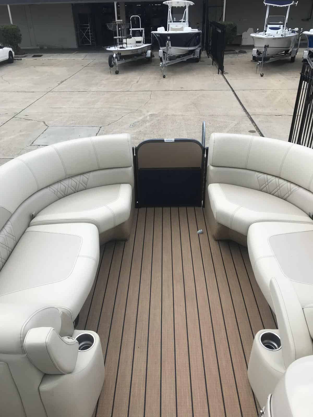 Used  2017 Coach 230rs Fish Boat