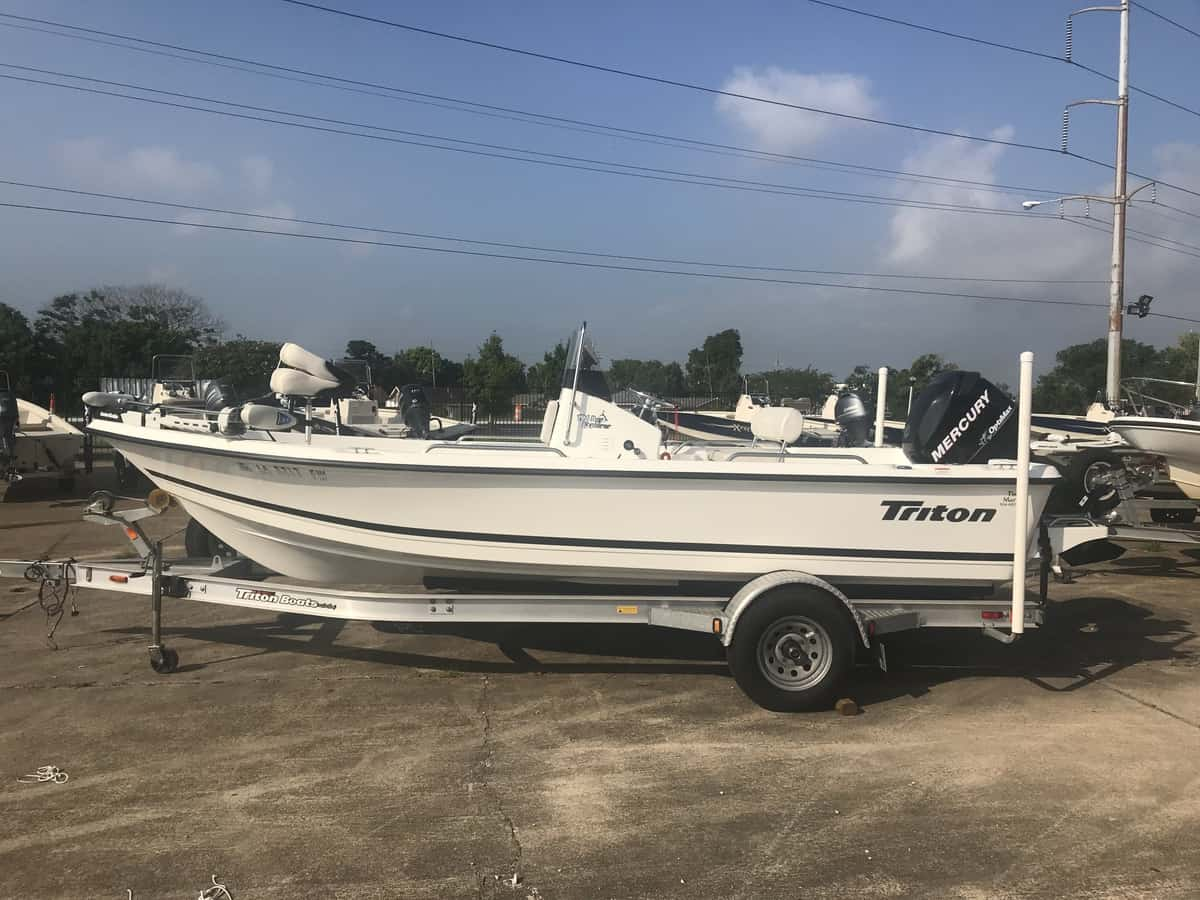 Used  2009 Triton 196 Fish Boat