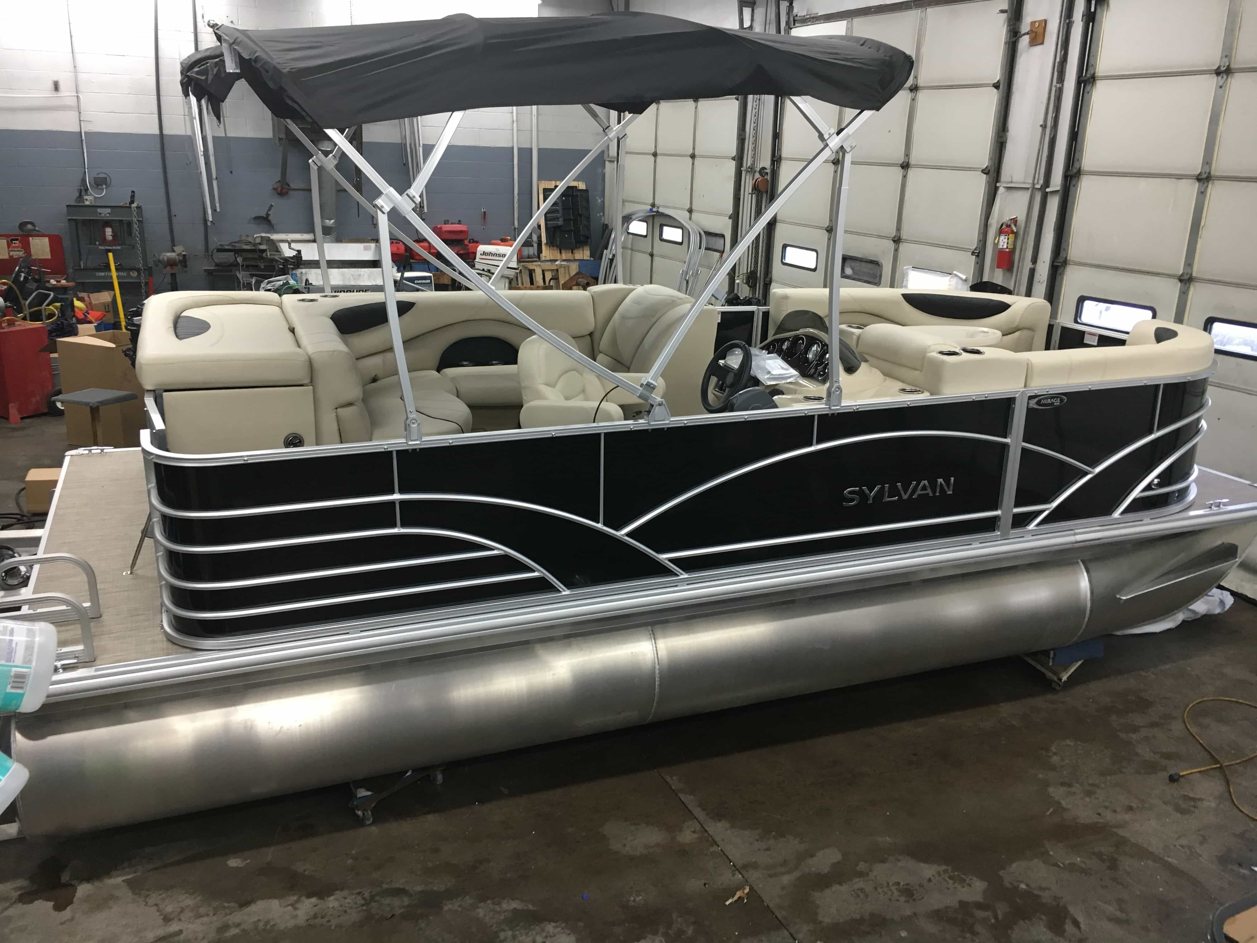 NEW 2018 SYLVAN 820CR DLX .