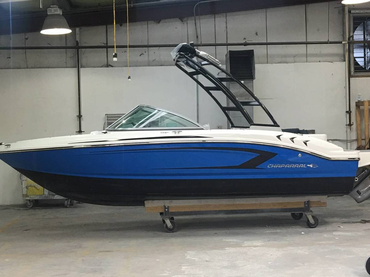 NEW 2017 Chaparral 19 H2O SPORT .