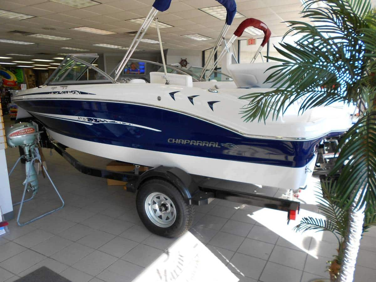 USED 2013 Chaparral 18 H2O SPORT .