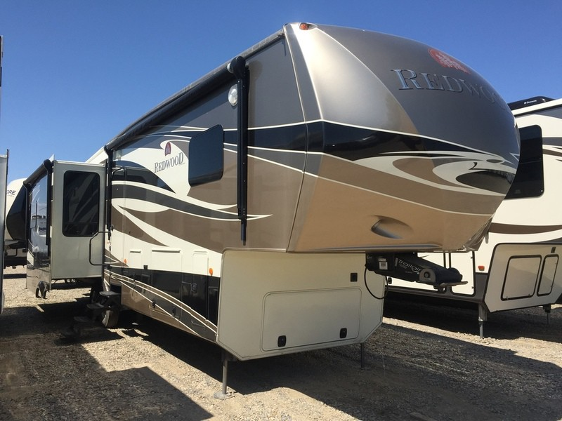 USED 2012 Crossroads Redwood 36 RE