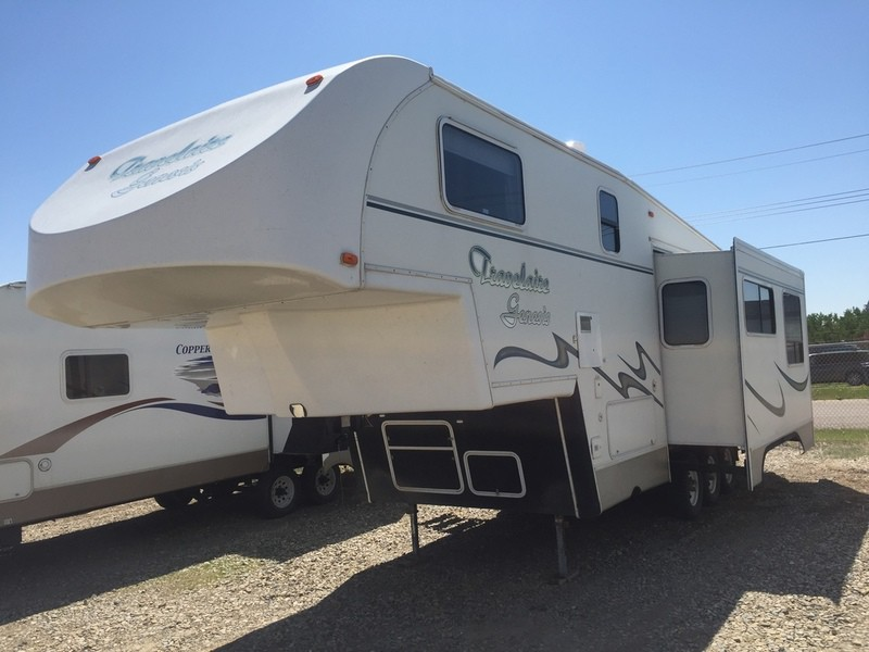 USED 2002 Travelaire Genesis TW 270