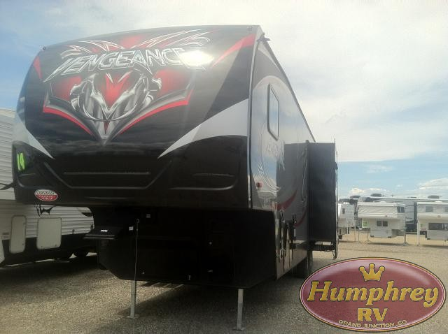 2014 FOREST RIVER 316A CHEROKEE VENGEANCE