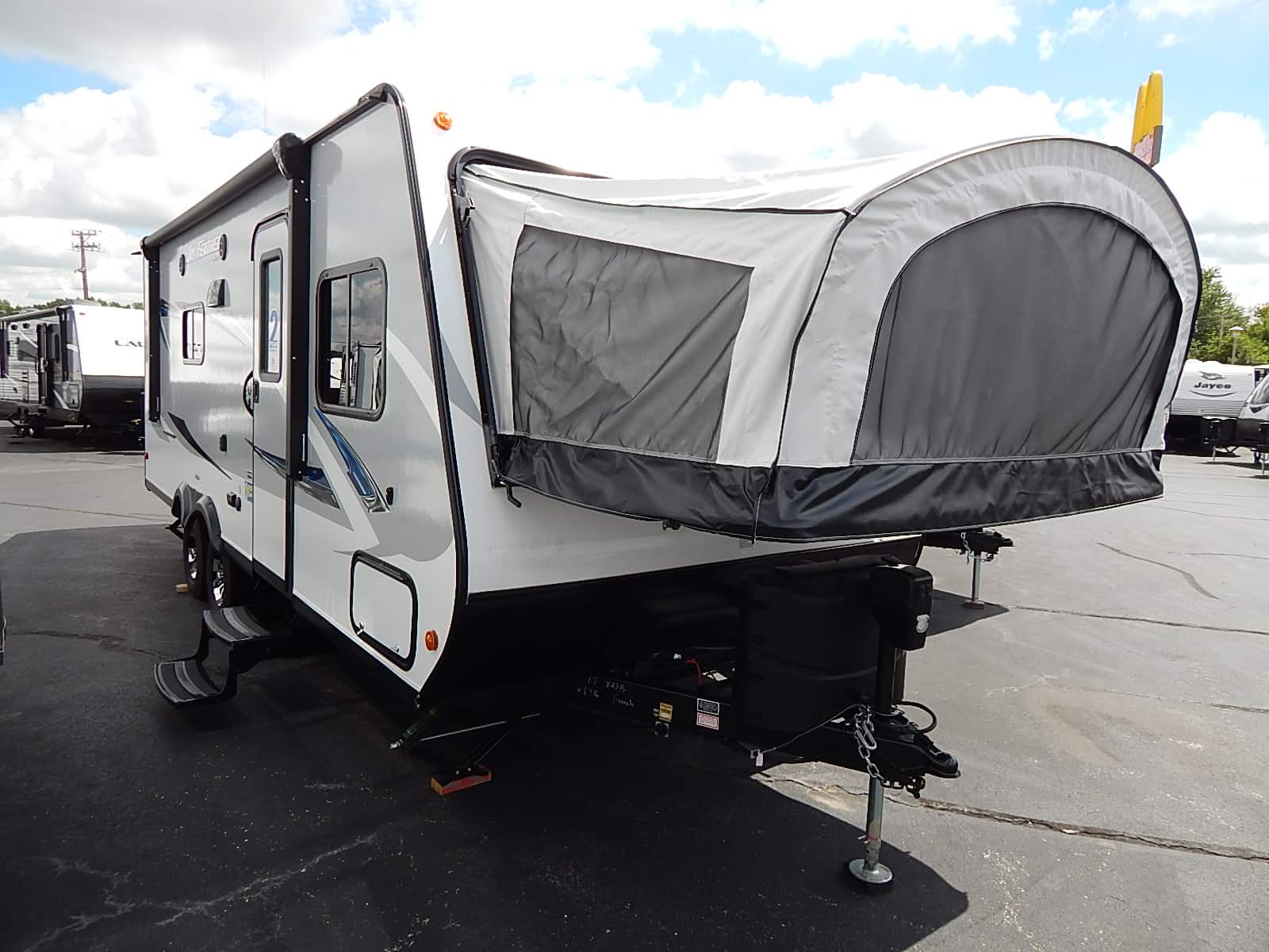 NEW 2017 JAYCO JAY FEATHER X23B - Rick's RV Center