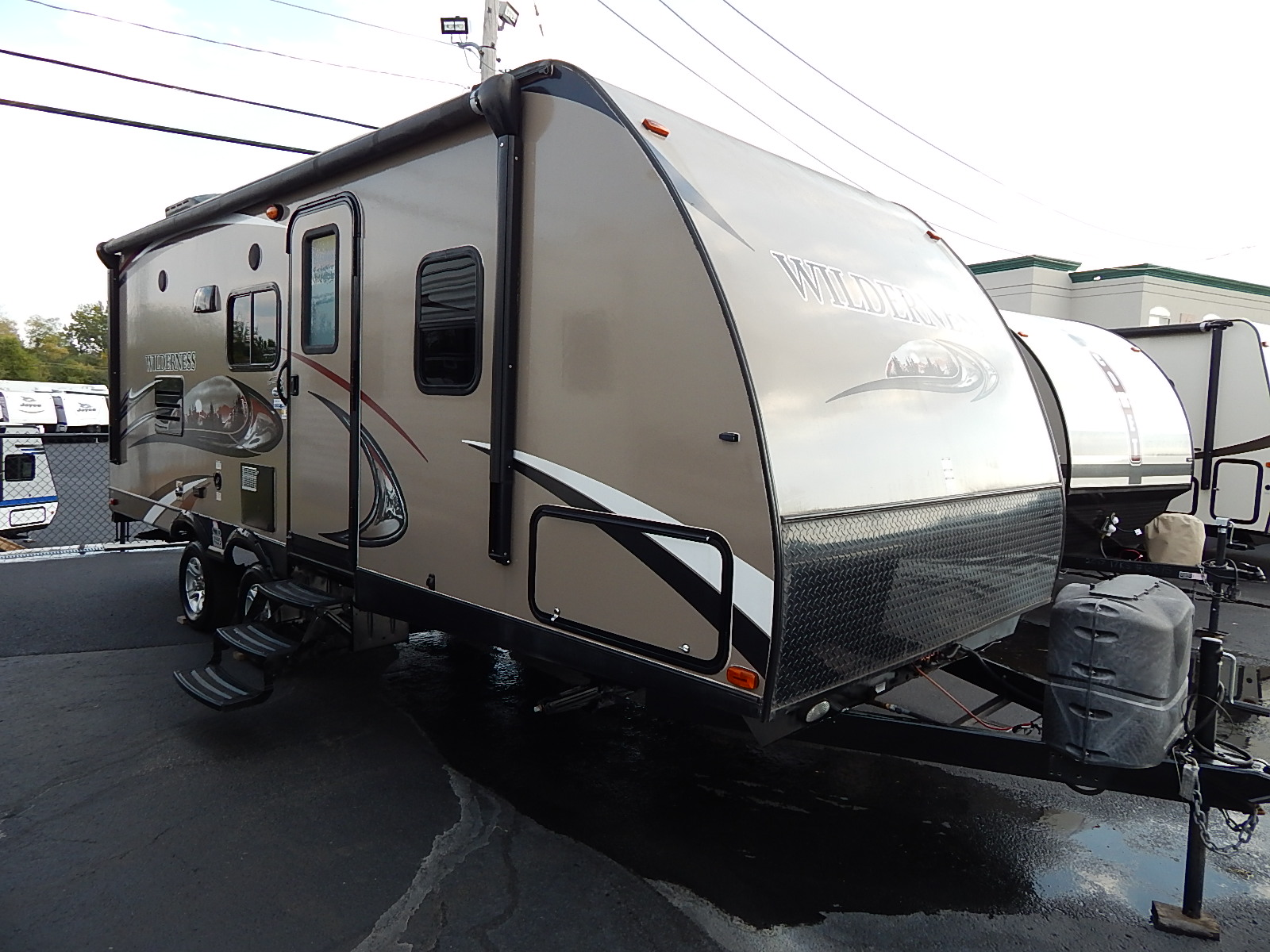 USED 2014 Heartland WILDERNESS 2175RB - Rick's RV Center
