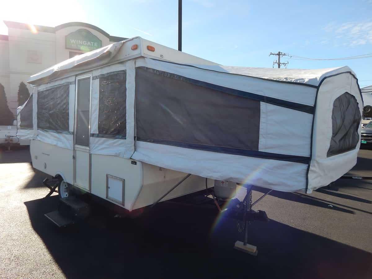 USED 1999 Palomino PALOMINO MUSTANG - Rick's RV Center