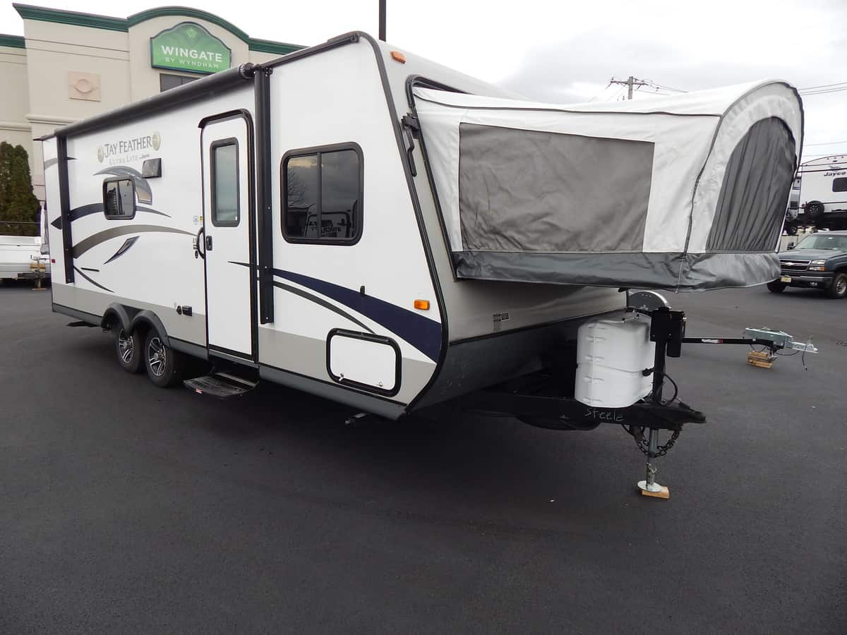 USED 2015 Jayco JAY FEATHER ULTRA LT X23B - Rick's RV Center