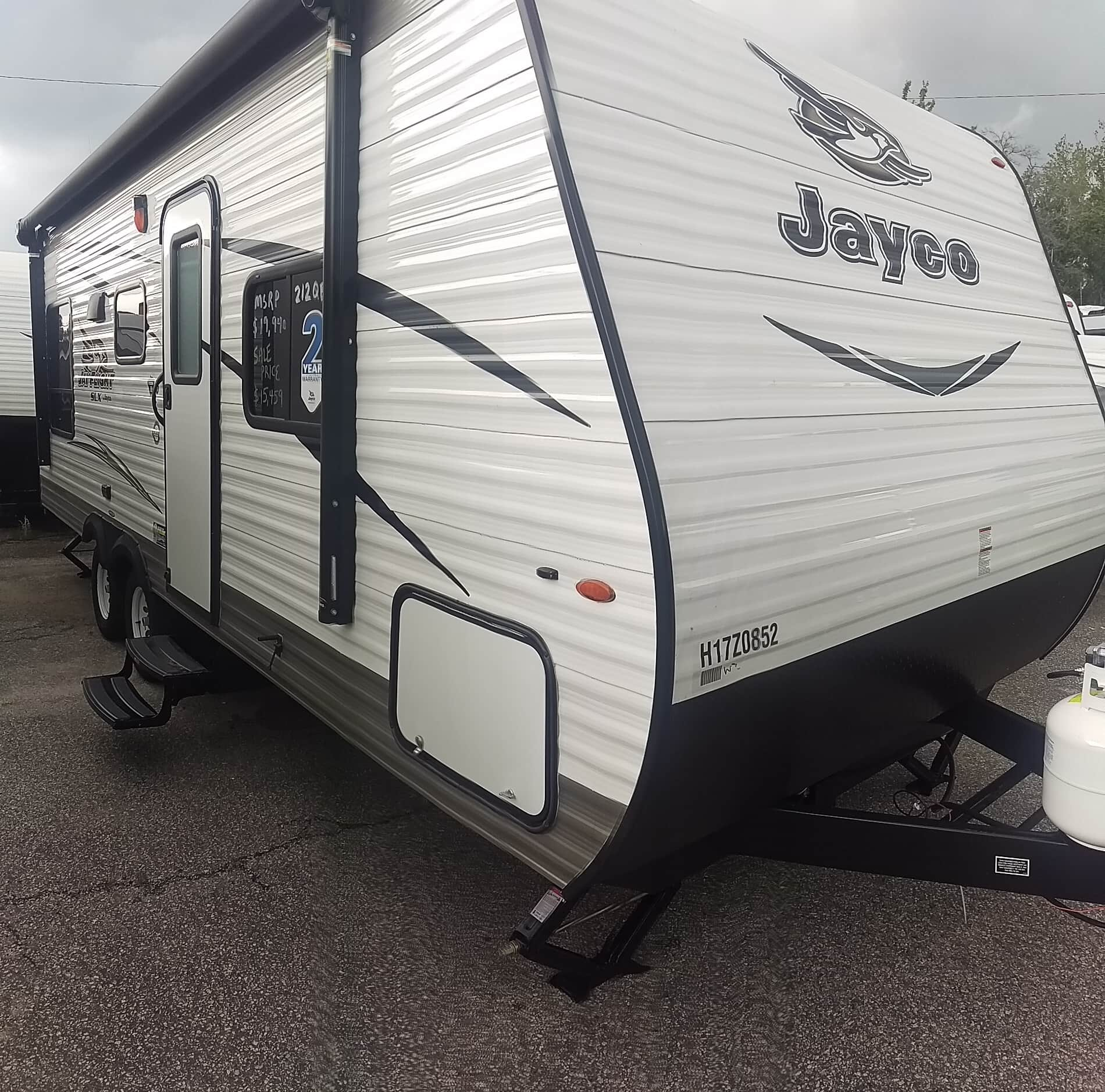 NEW 2017 Jayco Jay Flight SLX 212QBW