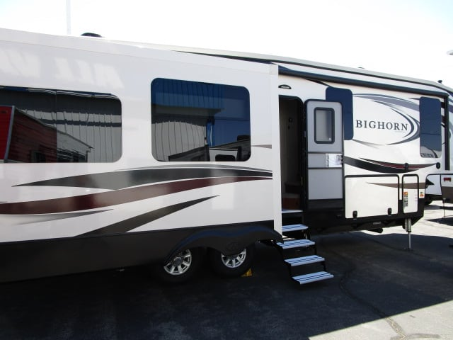 NEW 2018 HEARTLAND BIGHORN 3010RE