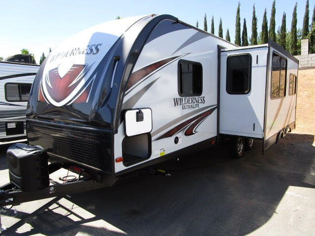 NEW 2018 HEARTLAND WILDERNESS 2575RK