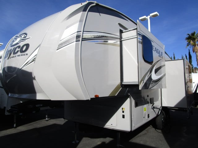 NEW 2018 Jayco EAGLE 24.5CKTS