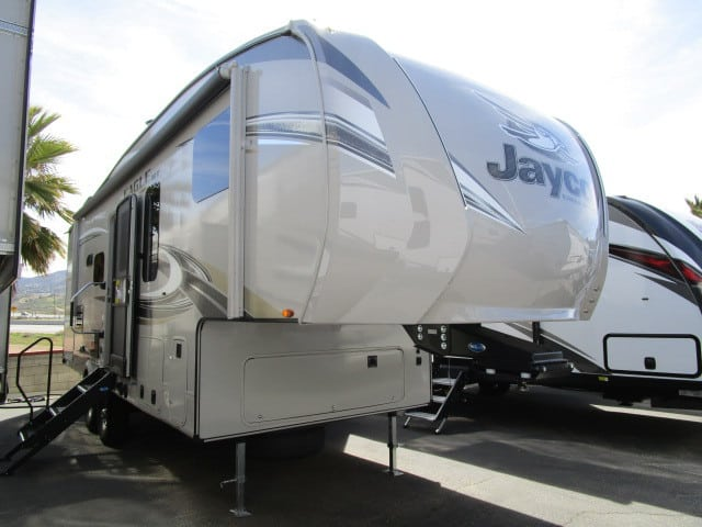 NEW 2018 Jayco EAGLE 25.5REOK
