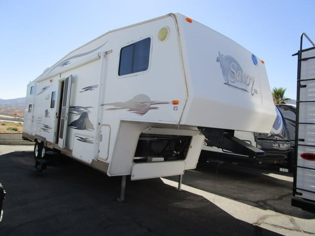 USED 2006 HOLIDAY RAMBLER SAVOY 30BHS