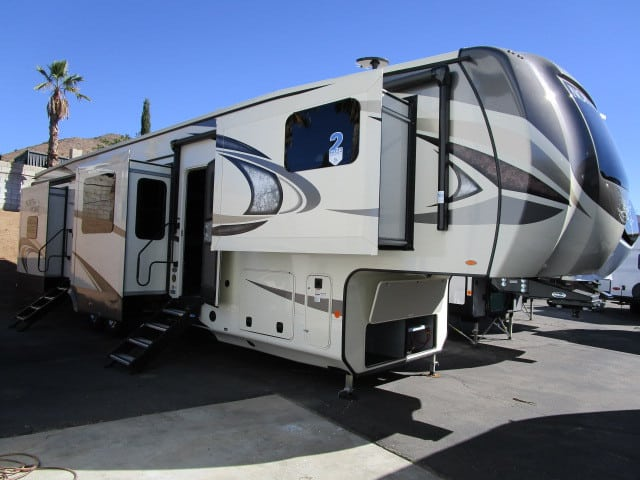 NEW 2019 Jayco NORTH POINT 383FKWS