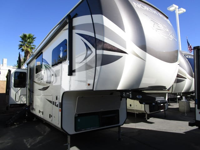 NEW 2019 Jayco NORTH POINT 377RLBH