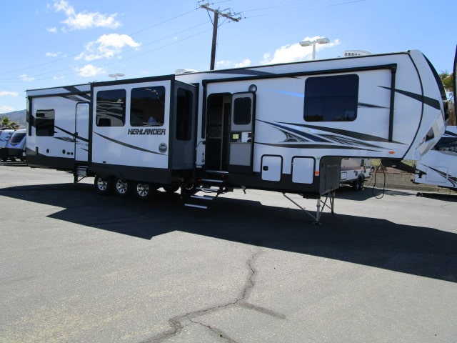 NEW 2019 Highland Ridge HIGHLANDER 383H