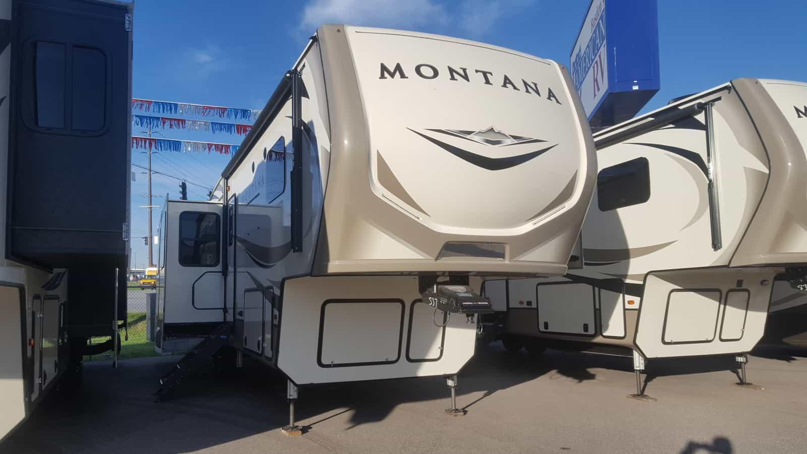 NEW 2019 Keystone MONTANA 3561RL - American RV