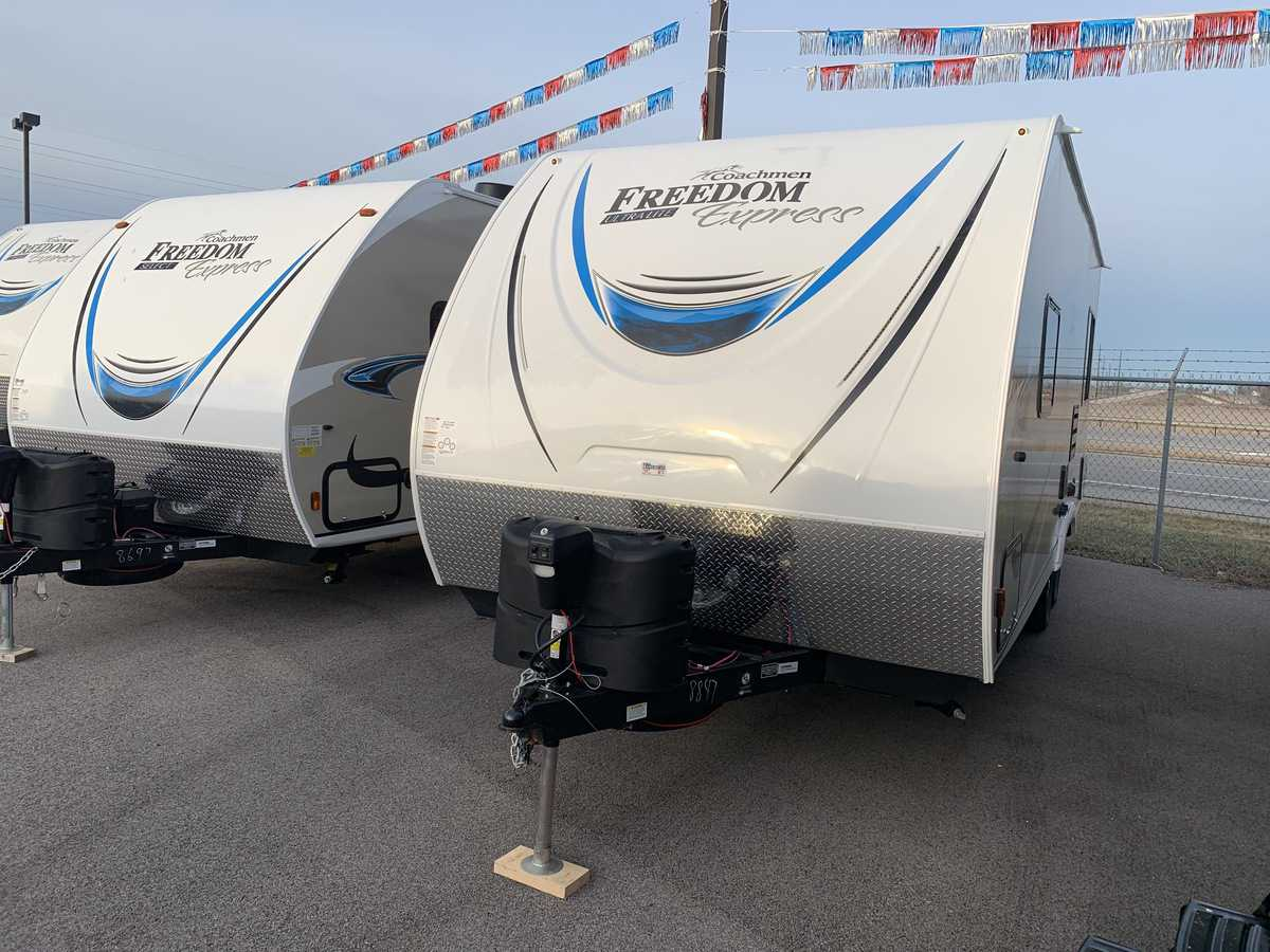 NEW 2019 Coachmen FREEDOM EXPRESS 204RD - American RV