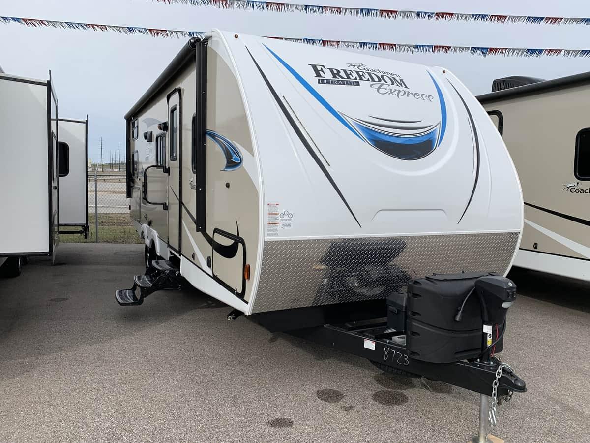 NEW 2019 Coachmen FREEDOM EXPRESS 257BHS - American RV
