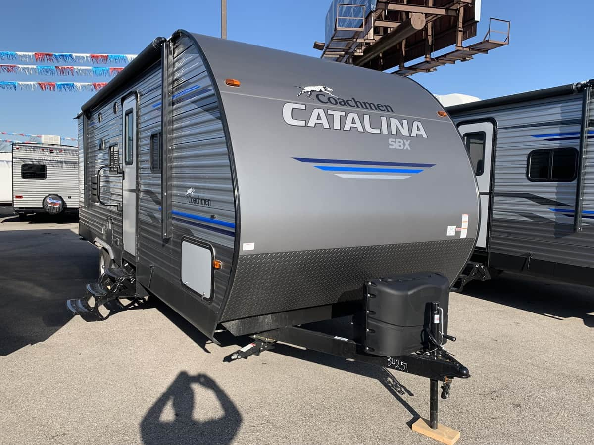 NEW 2019 Coachmen CATALINA SBX 221TBS - American RV